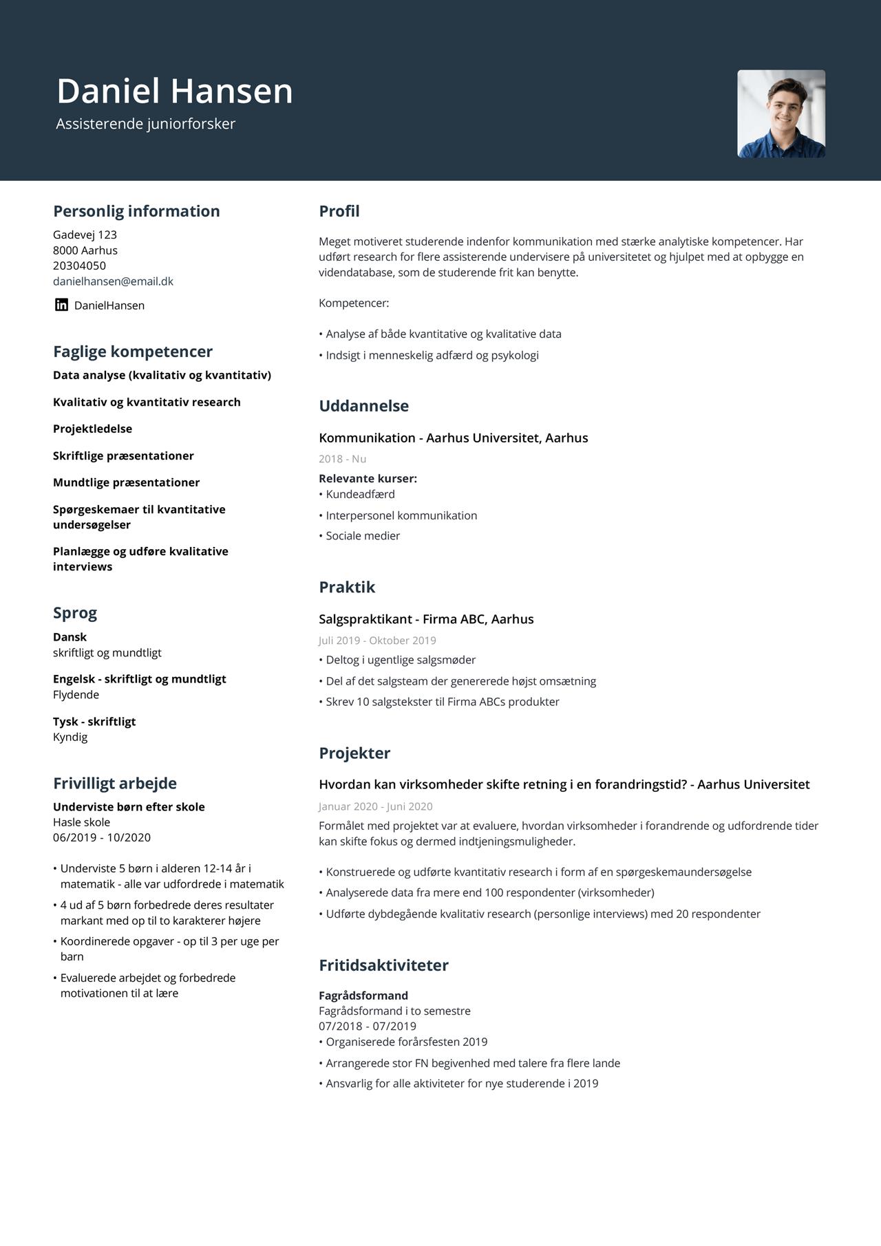 Billede af studerendes CV uden erfaring i omvendt kronologisk rækkefølge